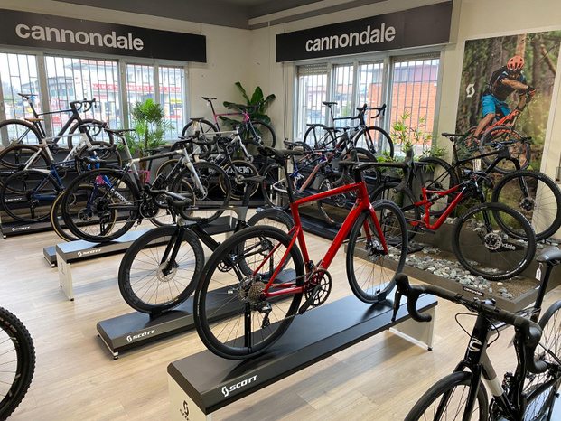 Bike Academy - Capannori - E-commerce, spedizione online gratuita i - Subito