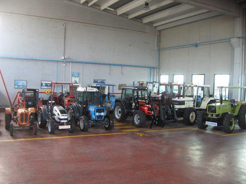 Pola trattori macchine agricole e edili ricambi for Subito it molise attrezzature agricole
