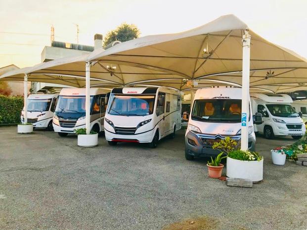 Centro Caravans Barassi - Monza - Esperienza e competenza al tuo servizio - Subito Impresa+