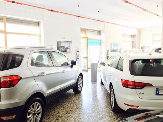 Exclusive Cars - Francavilla Fontana - Il Dott. Angelo Fasano presente nel merc - Subito