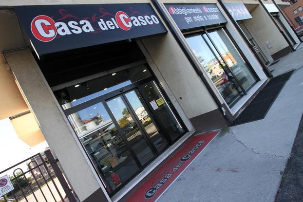 """Casa del Casco Verona Corso Milano 213 - Verona - La """"Casa del Casco"""" di Verona è un nego - Subito"""