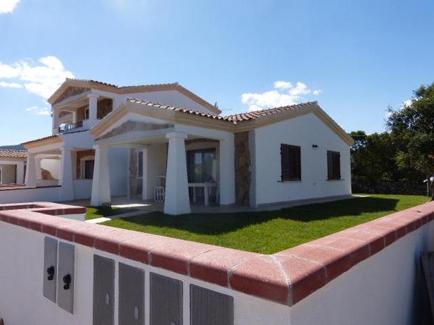 Agenzia immobiliare sognando case san teodoro agenzia for Porto ottiolu affitti