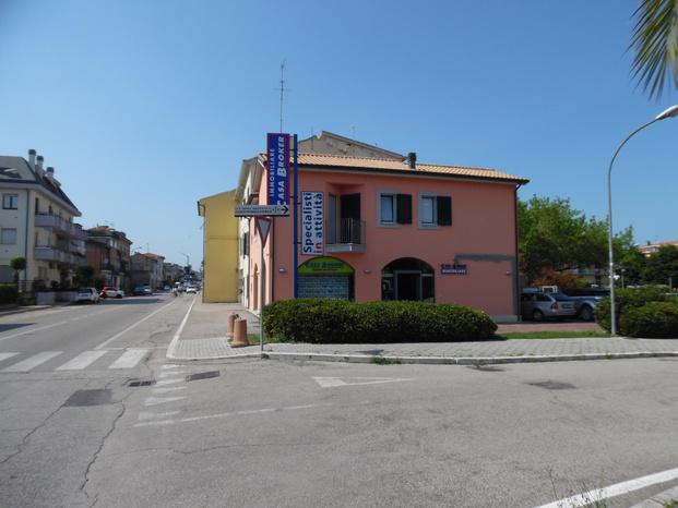 Casa Broker Immobiliare - San Benedetto del Tronto - Staff numeroso specializzato per settore - Subito