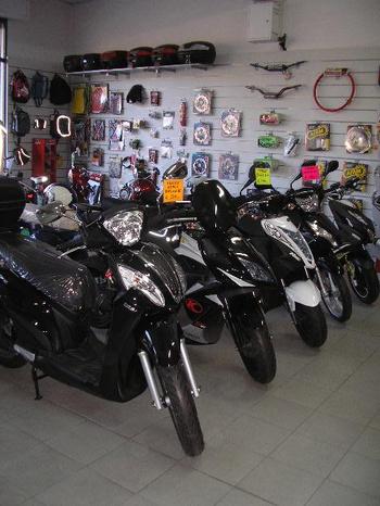BRAVINI MOTO - Salsomaggiore Terme - La passione per le moto e le competizion - Subito