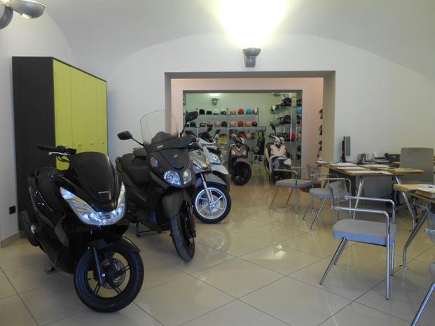 Achille Mele - Torre del Greco - L'azienda Achille Mele nasce nel 1996 - Subito