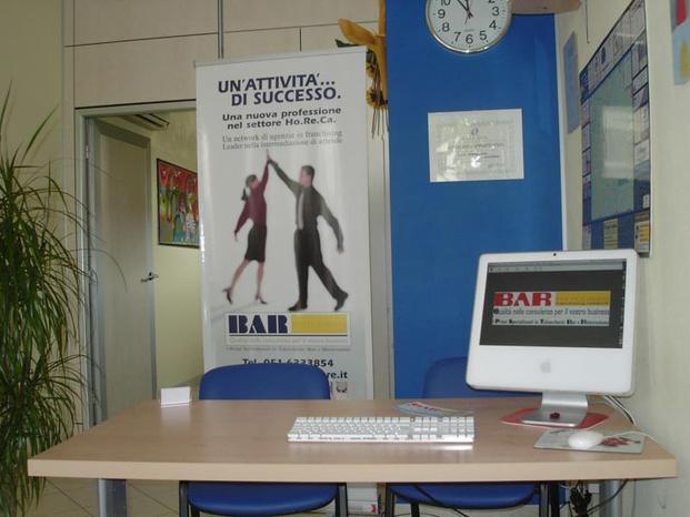 BAR IMMOBILIARE - Bologna - solo conoscendo l'' esigenza dell'altra - Subito Impresa+