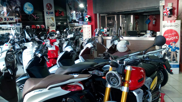 TRIVELLONE MOTORS SNC - Pescara - Concessionaria Piaggio - Vespa - Gilera - Subito Impresa+