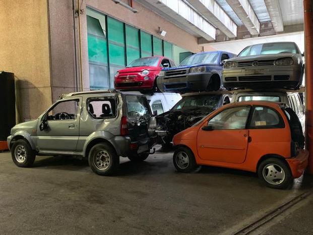 AUTODEMOLIZIONE RICAMBI NUOVI USATI 3334910700 - Rimini - LA NOSTRA AZIENDA RIFORNISCE IN TUTTA IT - Subito Impresa+