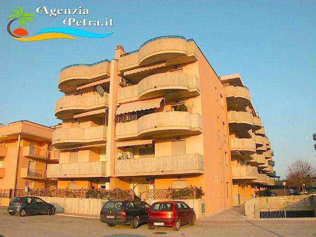 APPARTAMENTI ESTIVI  CASE VACANZE  AGENZIAPETRA.it - San Benedetto del Tronto - Offerta di Appartamenti Estivi e Case Va - Subito Impresa+