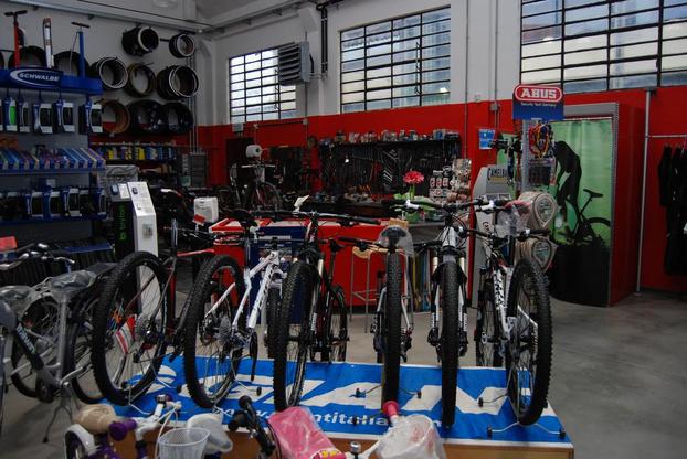 ZANETTI CICLI E MOTO S.A.S. - Forli' - Negozio di vendita e riparazione Bicicle - Subito Impresa+