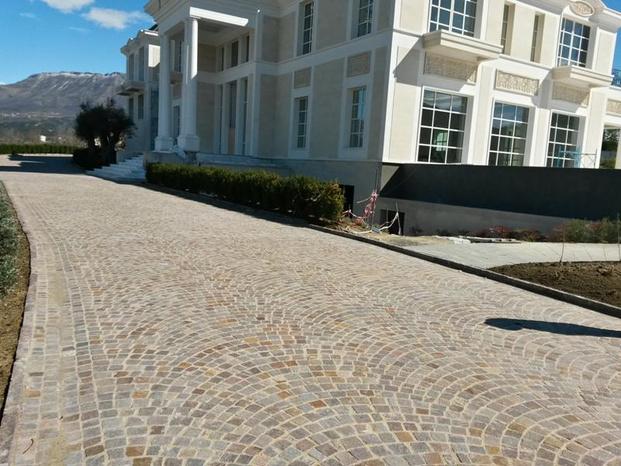 Pavimenti Da Esterno In Pietra : Plm pavimenti in pietra in sampietrini per esterno alezio plm