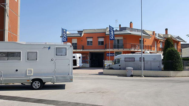 camper house rimini - Rimini - la camper house rimini nasce da una foll - Subito Impresa+