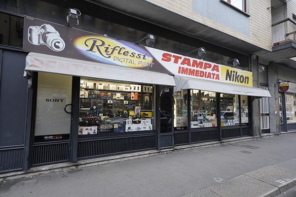 RIFLESSI SHOP - Torino - Presenti da più di 10 anni nel panorama - Subito